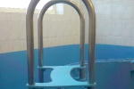 ЛЕСТНИЦА для спуска в бассейн